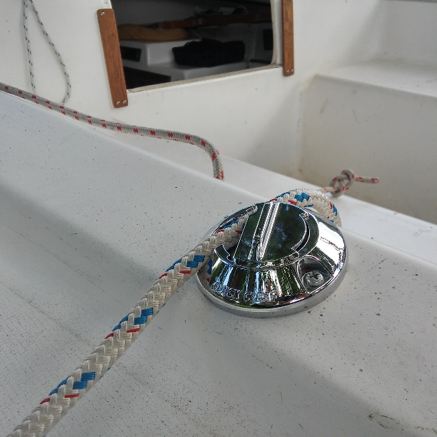 sailboat-gunnel-quick-cleat-2-low-res.jpg